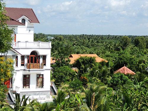 Ngôi biệt thự và khu vườn ở xã Sơn Đông, TP Bến Tre do đại úy Trần Hoàng Anh đứng tên