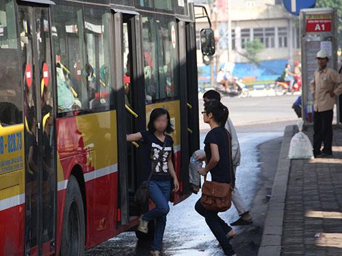 TP Hà Nội dự kiến ngày 5-1-2015 sẽ bắt đầu chạy tuyến xe buýt dành riêng cho phụ nữ Ảnh: PHương Nhung