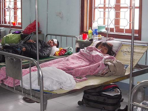 Những người bị thương đang được điều trị tại Bệnh viện Đa khoa huyện Kỳ Anh (Hà Tĩnh) Ảnh: TÚ NGUYỄN