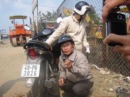 Đây là lần thứ ba ông Hoàng Thành Phương bị cán đinh trên Quốc lộ 1A đoạn giữa Nghĩa trang Liệt sĩ TP HCM và cầu Đồng Nai