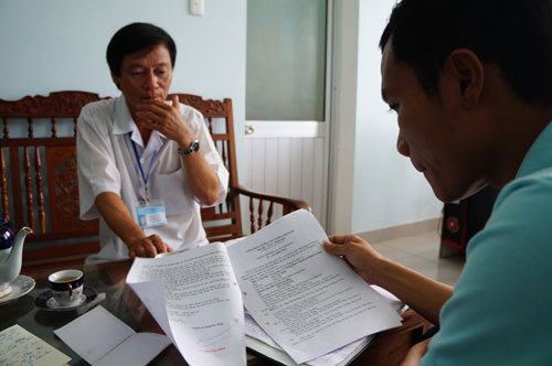 Những hợp đồng lao động do ông Mai Văn Mười ký không có con dấu của Trung tâm Y tế huyện Thăng Bình, tỉnh Quảng Nam