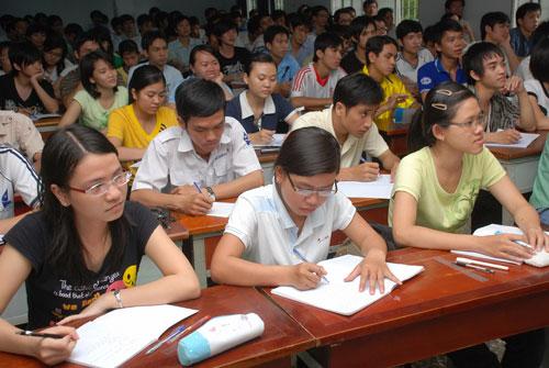 Sinh viên của một trường thuộc ĐHQG TP HCM trong giờ học Ảnh: TẤN THẠNH