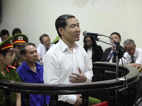 Bị cáo Dương Chí Dũng nói lời sau cùng trong ngày thứ ba xét xử phúc thẩm Ảnh: TTXVN