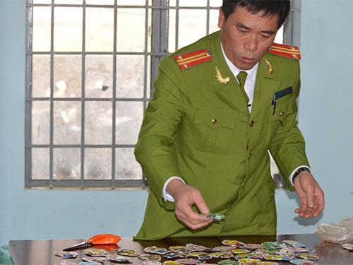 Ngày 20-1, lực lượng công an tiếp tục phát hiện 59 gói nổ tại 2 cửa hàng tạp hóa ở huyện Đắk Song