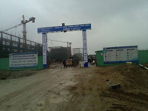 Một công trình trong khu vực dự án Formosa có rất đông lao động người Trung Quốc làm việc