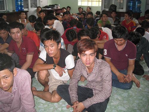 Hàng trăm đối tượng bị bắt giữ ở thị xãThuận An, tỉnh Bình Dương trong đợt gây rối
