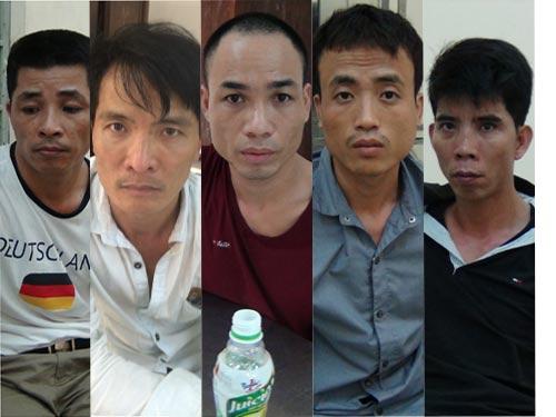 5 đối tượng trong băng buôn ma túy đá