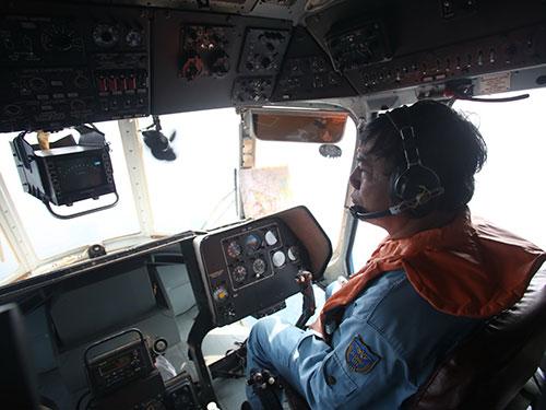 Trực thăng Mi-171 và tổ bay trong một lần thực hiện nhiệm vụ
