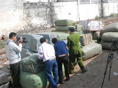Lô hàng hóa bị tạm giữ để điều tra