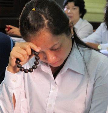 Bị cáo Phan Cao Trí và vợ là Phan Thị Yến Ảnh: PHẠM DŨNG