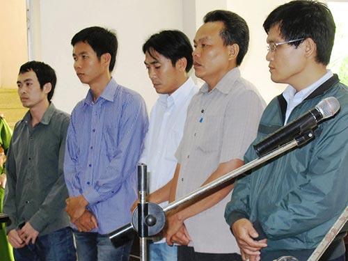 5 nguyên sĩ quan công an đã dùng nhục hình, đánh nạn nhân tử vong tại phiên tòa sơ thẩm