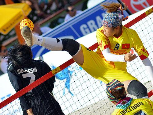 Đội cầu mây nữ Việt Nam giành quyền tranh chung kết với Thái Lan vào ngày 23-11 Ảnh: Đông Linh
