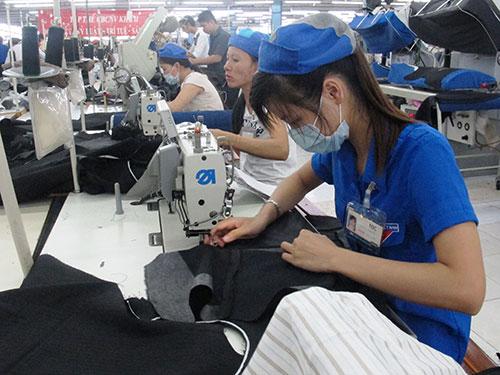 Lao động nữ tại Công ty CP May Nhà Bè, TP HCM luôn được chăm lo chu đáo
