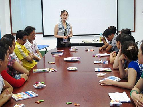 Tổ chức tập huấn kỹ năng kết hợp với chia sẻ kinh nghiệm giúp công nhân cải thiện hiệu suất làm việc tại Công ty TNHH Dinsen Việt Nam, quận Bình Tân, TP HCM