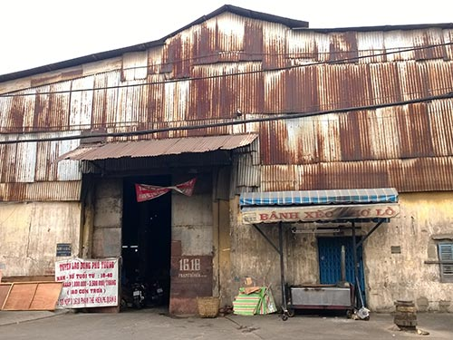 Nhà xưởng xuống cấp - nơi xảy ra tai nạn lao động