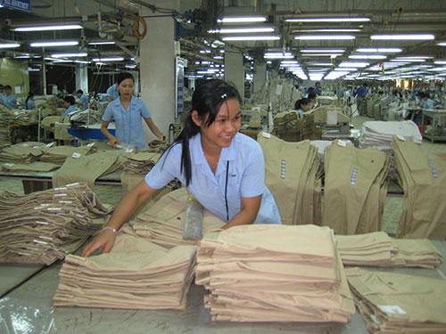 Công ty CP May Sài Gòn 3 có chính sách chăm lo tốt cho người lao động Ảnh: HỒNG ĐÀO