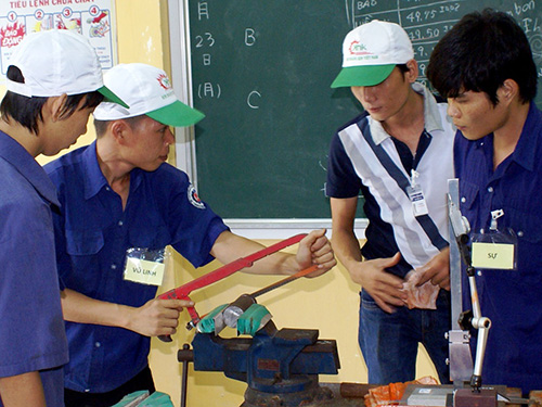 Học viên Trường Cao đẳng Nghề TP HCM trong giờ thực hành