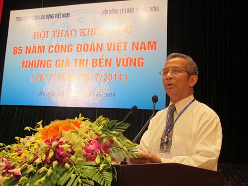Ông Đặng Ngọc Tùng, Chủ tịch Tổng LĐLĐ Việt Nam, phát biểu khai mạc hội thảo