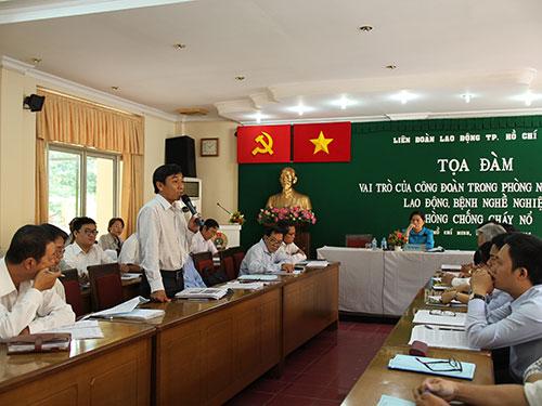 Các đại biểu phát biểu tại buổi tọa đàm