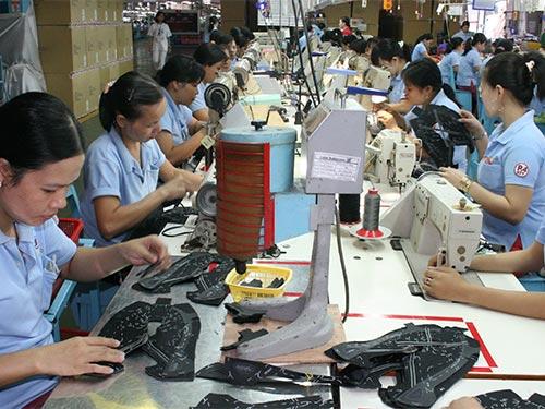 Doanh nghiệp điều chỉnh lương phải bảo đảm quyền lợi giữa công nhân  lâu năm và công nhân mới