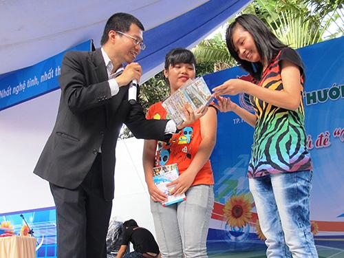 Sinh viên nên mạnh dạn tham gia các chương trình ngoại khóa để trau dồi kỹ năng