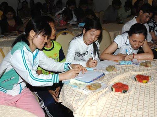 Người lao động tham gia chương trình vui chơi  do Quỹ Hỗ trợ công nhân TP HCM tổ chức