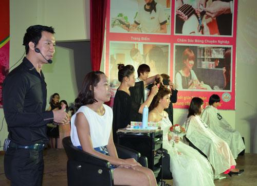 Chăm sóc sắc đẹp được Trường Trung cấp nghề Lê Thị Riêng chọn là nghề trọng điểm quốc gia 2011-2015 Ảnh: NGUYỄN LUÂN