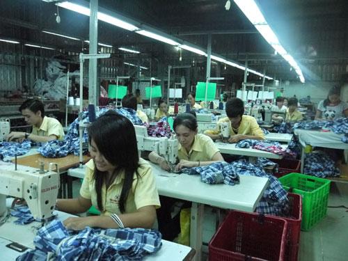Công nhân may làm việc tại Công ty TNHH Tân Long Trường (quận 9, TP HCM)