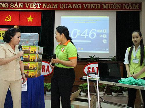 Các thí sinh tham gia hội thi bán hàng chuyên nghiệp do Công đoàn Tổng Công ty Thương mại Sài Gòn tổ chức