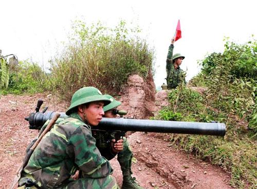 Khẩu đội ĐKZ của Tiểu đoàn 5 (Sư đoàn 3) lấy phần tử bắn tiêu diệt mục tiêu ụ súng đầu cầu.