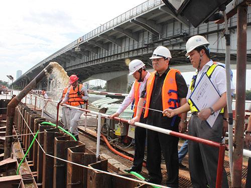 Phó Thủ tướng Hoàng Trung Hải thị sát tuyến metro Bến Thành - Suối Tiên