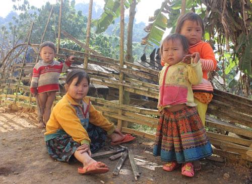 Trẻ em Sài Khao lớn lên đều được đến trường học chữ