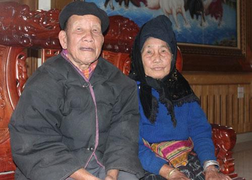 Cụ Lương Văn Pém cùng vợ