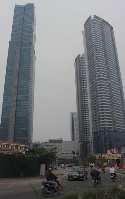 Nhiều người dân sinh sống tại chung cư cao cấp Keangnam (Hà Nội) cho biết sẽ có mặt trong phiên giải trình của Bộ Xây dựng ngày 25-2 Ảnh: Đỗ Du