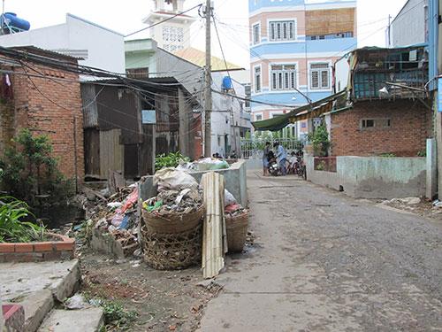 Hạ tầng công cộng, nhà ở của người dân trong khu phức hợp Đầm Sen bị xuống cấp