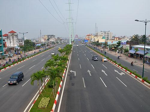 Tổ chức không gian đô thị của đường Phạm Văn Đồng nén dần về hướng Tân Sơn Nhất, giãn dần về hướng quận Thủ Đức  Ảnh: Tấn Thạnh