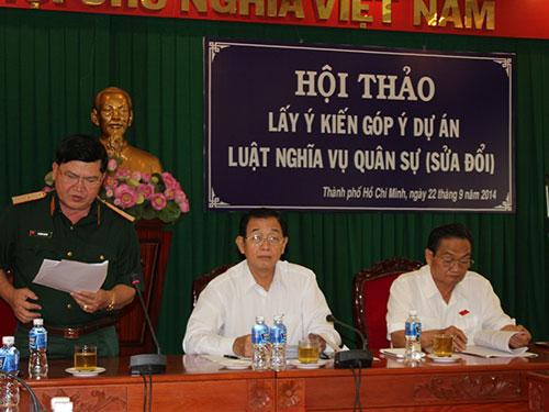 Theo Thiếu tướng Lê Minh Quang, Phó Tham mưu trưởng Quân khu 7 (đứng), thời hạn tại ngũ là 24 tháng
