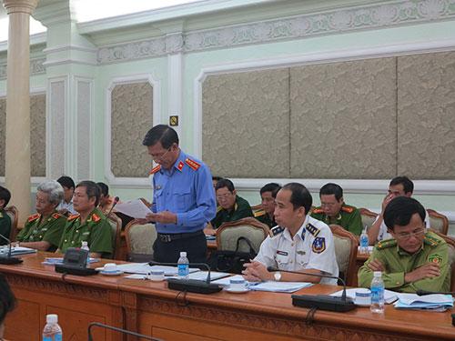 Ông Phạm Văn Gòn, Viện trưởng VKSND TP HCM, báo cáo với Đoàn Công tác Ủy ban Tư pháp của Quốc hội