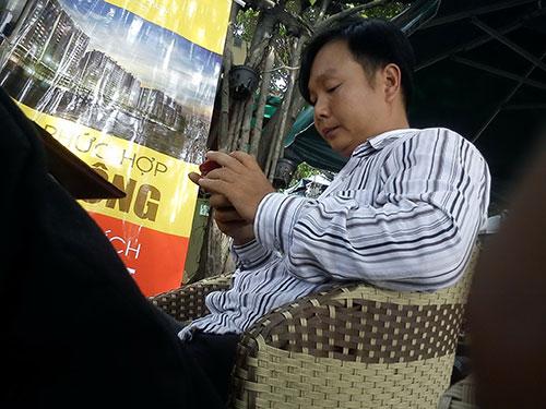 Người đàn ông tên Châu này khẳng định có thể lo giấy tờ cho rơ-moóc phù phép với giá 140 triệu đồngẢnh: Hải Liên