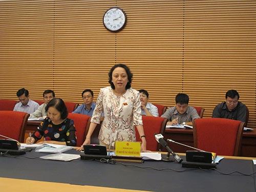 Phó Giám đốc Sở Y tế TP HCM Phạm Khánh Phong Lan chỉ ra nhiều bất cập trong hoạt động đấu thầu thuốc hiện nay