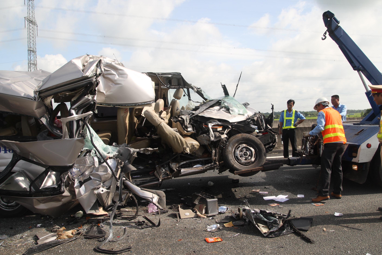 Tai nạn trên đường cao tốc Trung Lương: 4 người chết, 8 người bị thương