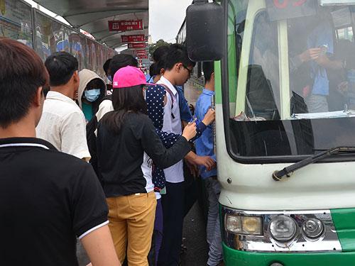 Sắp tới, trên xe buýt tại TP HCM sẽ gắn camera giám sát Ảnh: Tấn Thạnh