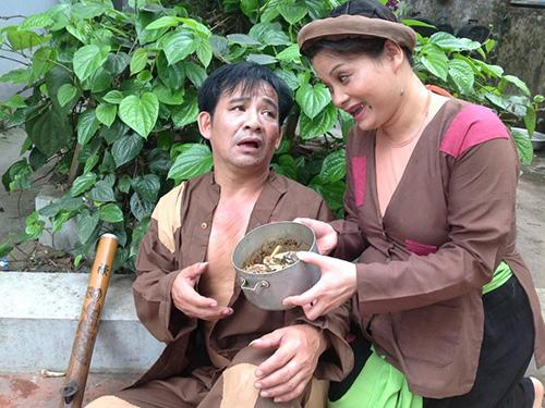 Nghệ sĩ Quang Tèo (trái) trong một vở hài kịch Ảnh: NVCC