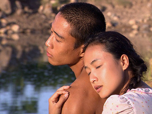 Linh Sơn và Lê Bê La trong phim Dấu chân du mục (Ảnh do đoàn phim cung cấp