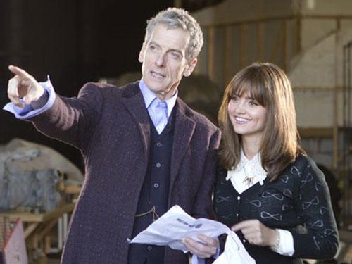 Peter Capaldi và Jenna Coleman trên trường quay phim Doctor WhoẢnh: BBC