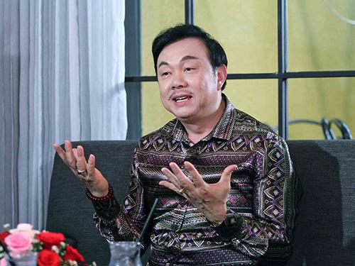 Chí Tài trong talk show Lần đầu tôi kể Ảnh: HTV2