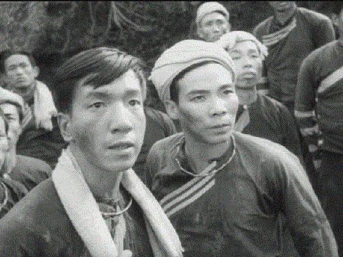 NSND Trịnh Thịnh (trái) trong phim Vợ chồng A PhủẢnh: TƯ LIỆU