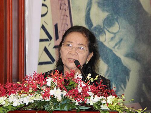 Nhạc sĩ Trương Tuyết Mai tại buổi họp báo giới thiệu đêm nhạc kỷ niệm nửa thế kỷ hoạt động âm nhạc của bà