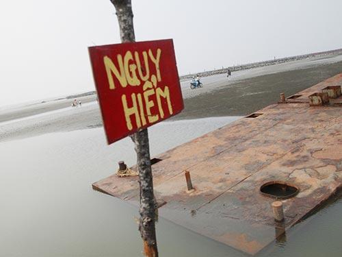 Khu vực xảy ra vụ 7 học sinh Bình Dương chết đuối ở bãi biển huyện Cần Giờ, TP HCM Ảnh: XUÂN DANH