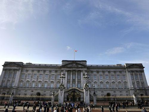 """Điện Buckingham đang """"xuống cấp"""", theo báo cáo của quốc hội Anh Ảnh: AP"""